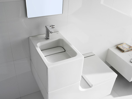 Water-saving all-in-one washbasin and WC